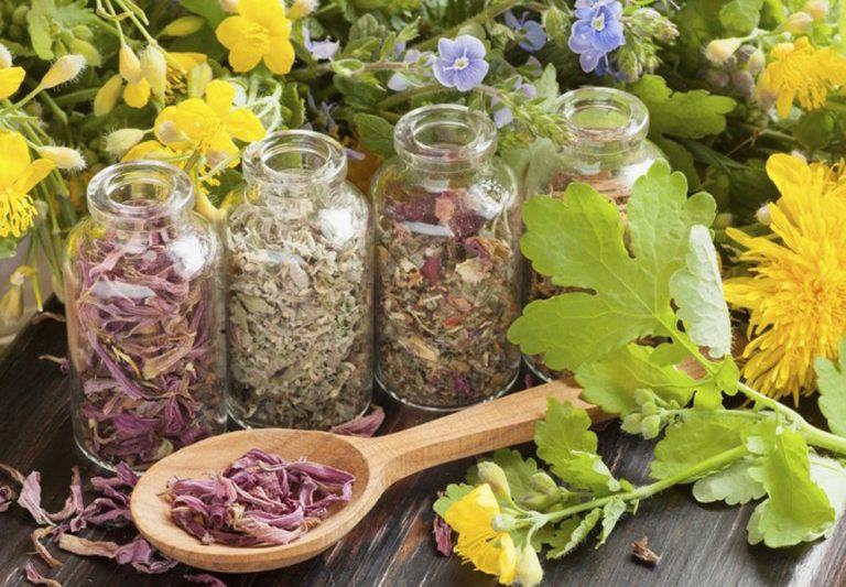 Các bài thuốc dân gian có nguồn gốc từ thảo dược nên rất an toàn đối với sức khỏe