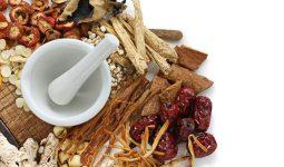 Thuốc đông y có nguồn gốc từ lâu đời với thành phần là thảo dược tự nhiên nên an toàn khi chữa bệnh