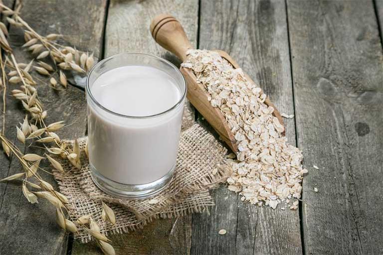 Chữa chàm ở mặt với sữa chua không đường và bột yến mạch