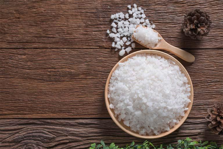 chữa tổ đỉa bằng rau răm và muối hạt