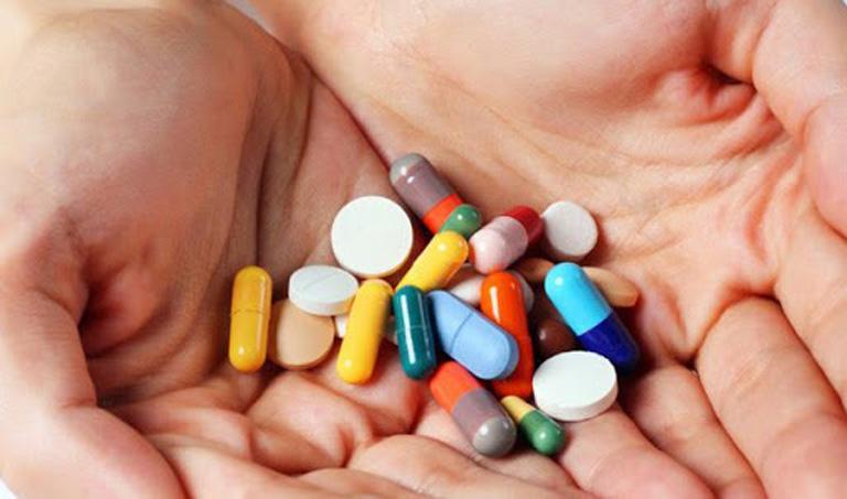 Sử dụng thuốc Tây chữa viêm họng cấp cần tuân theo chỉ dẫn của bác sĩ