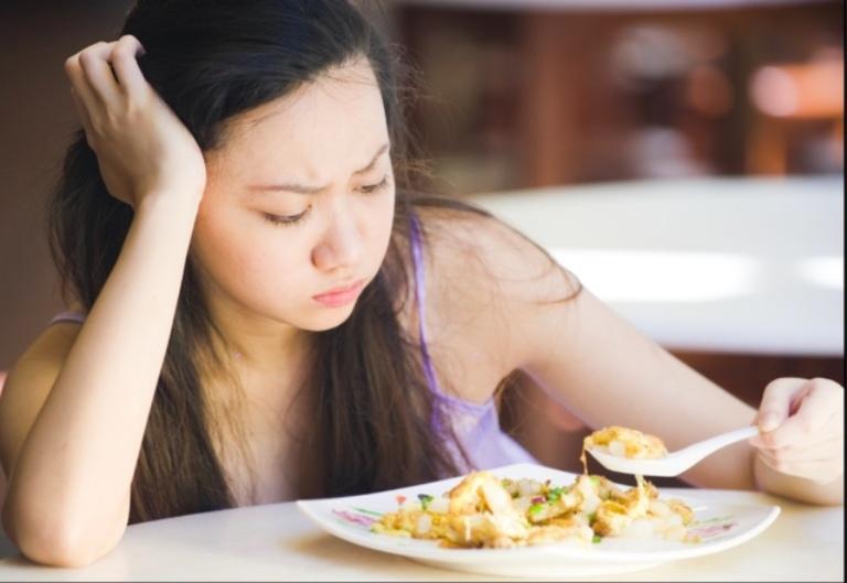 Đau dạ dày khiến người bệnh dần cảm thấy chán ăn gây suy nhược cơ thể, gầy sút
