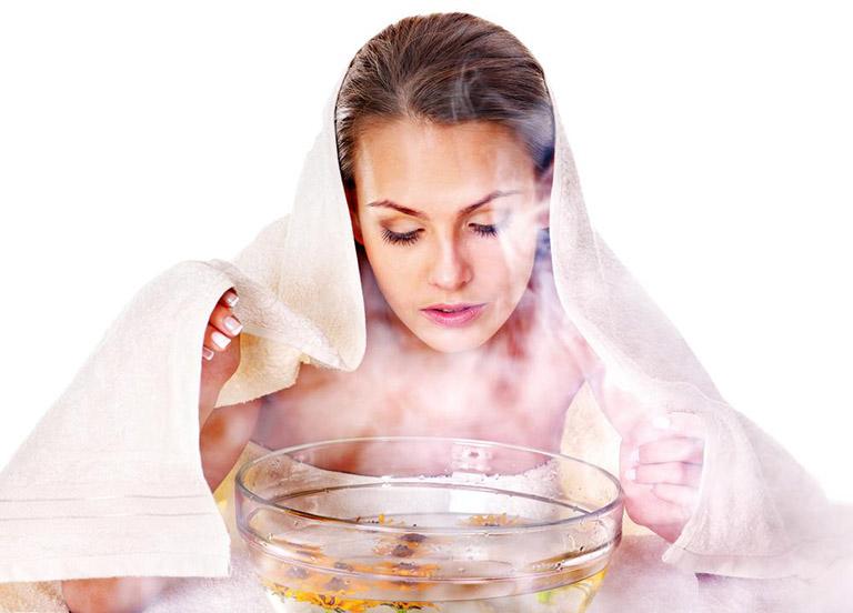 tắm lá kinh giới chữa mề đay