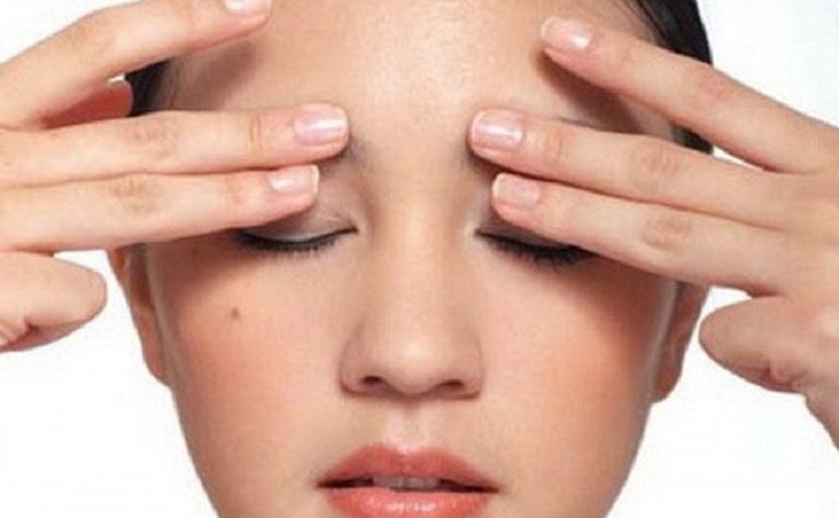 Massage giúp giảm triệu chứng đau đầu do viêm xoang hiệu quả