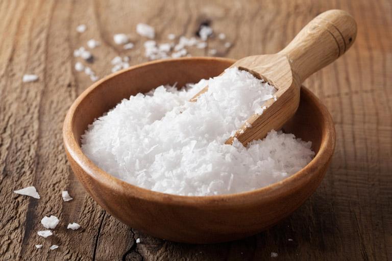 Bài thuốc đơn giản chữa viêm họng đỏ bằng muối khoáng