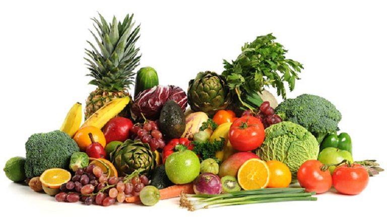 Người bệnh nên tăng cường ăn các loại rau xanh và trái cây để hô trợ trị bệnh