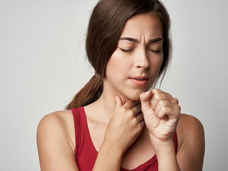 Viêm họng cấp tính chủ yếu do virus và vi khuẩn