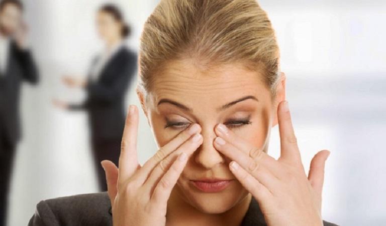 Viêm xoang sàng lâu ngày không được khắc phục sẽ dẫn tới suy giảm thị lực