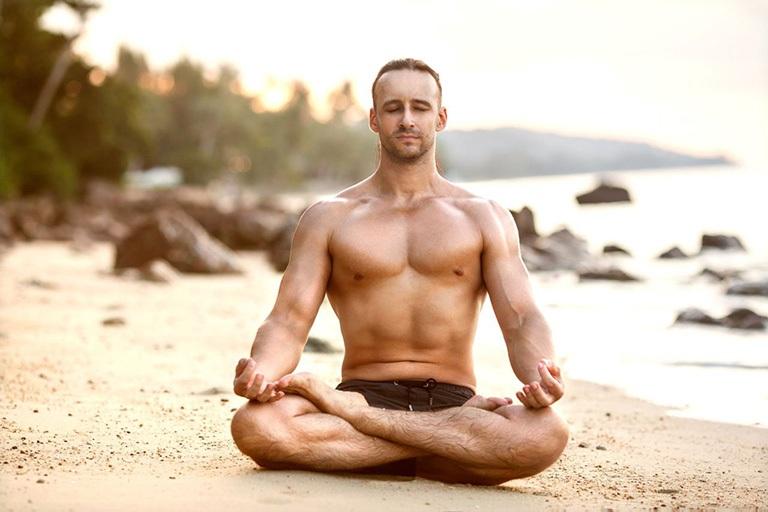 Tập yoga giúp thư giãn tinh thần, tăng cường sức khỏe và hỗ trợ điều trị chàm bìu