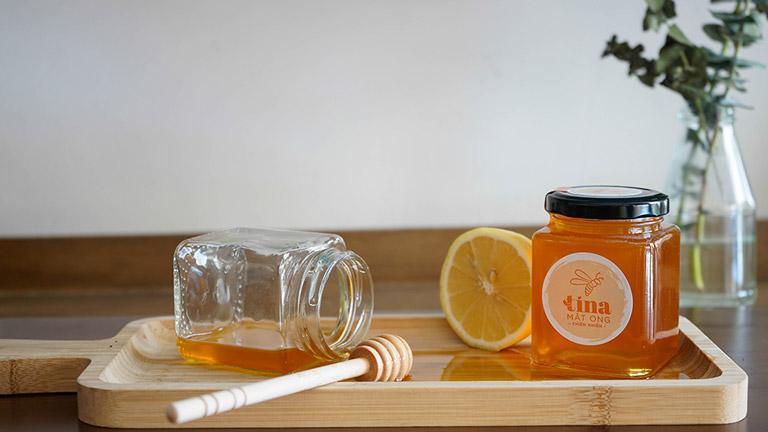 Sử dụng mật ong chữa đau họng