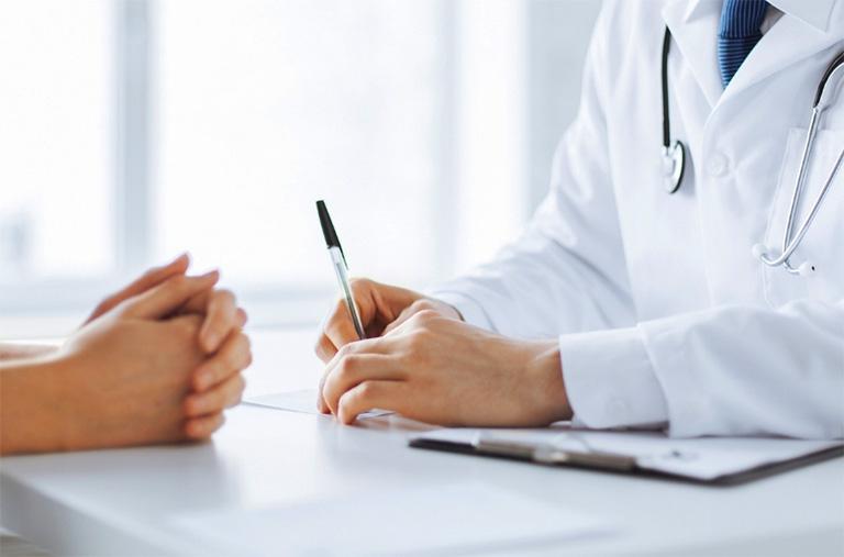 Bệnh viêm da cơ địa có thể chữa khỏi nếu người bệnh tiến hành điều trị bệnh theo đúng nguyên tắc và chỉ định từ các sĩ chuyên khoa