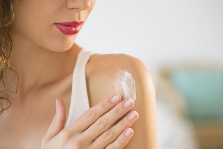 điều trị bệnh viêm da tiếp xúc