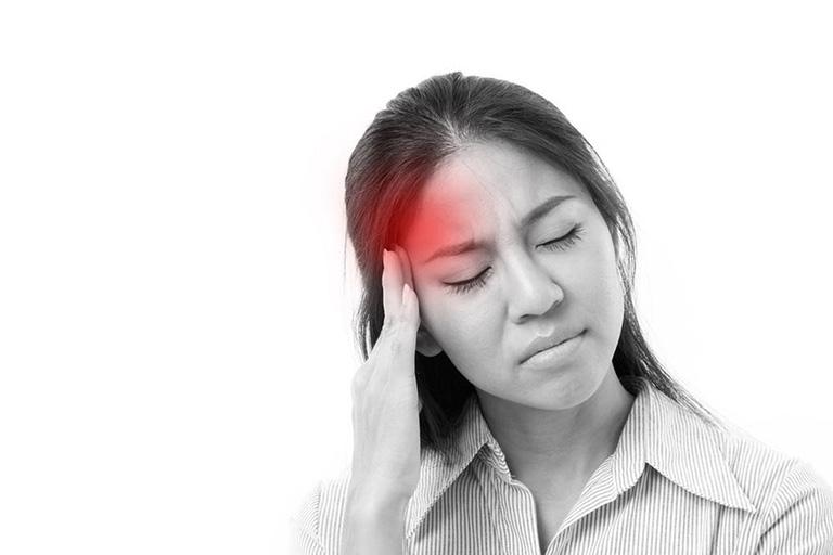 Viêm họng đau đầu dai dẳng khiến suy giảm trí nhớ