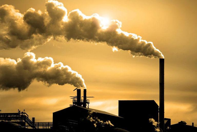 Môi trường ô nhiễm cũng là nguyên nhân gây bệnh viêm họng hạt có mủ