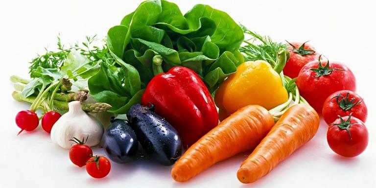 Điều chỉnh chế độ ăn để chữa viêm họng kéo dài dứt điểm