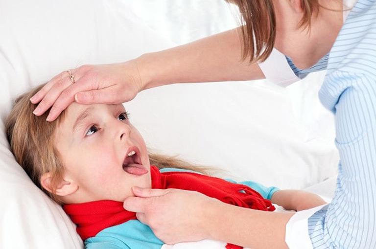 Nguyên nhân viêm họng ở trẻ nhỏ