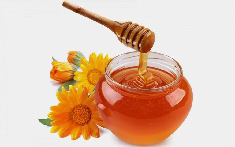 Chữa viêm họng bằng mật ong