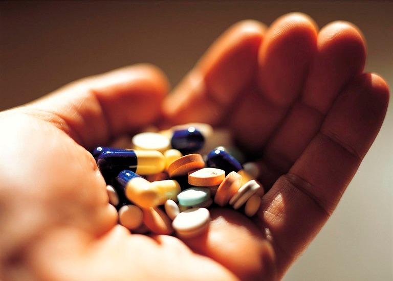 Sử dụng kháng sinh là giải pháp được nhiều người lựa chọn