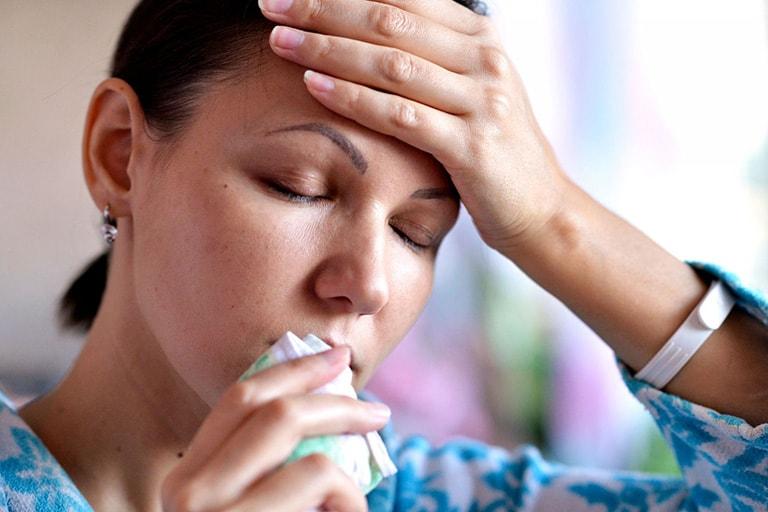 Bệnh gây cảm giác mệt mỏi, khó chịu cho người bệnh