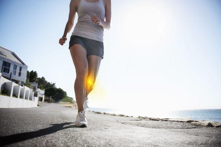 Tập thể dục có tác dụng hỗ trợ điều trị tình trạng đau khớp gối rất tốt