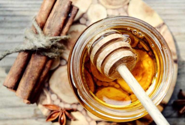 Kết hợp mật ong vầ bột quế giúp tăng khả năng kháng viêm và sát khuẩn