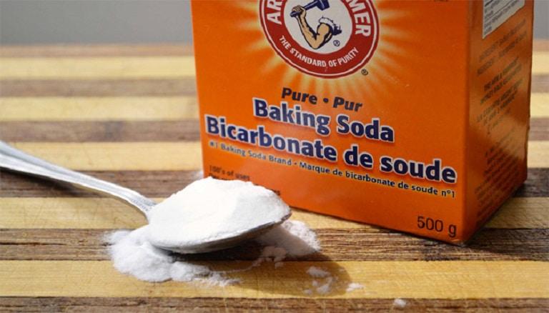 Nhờ có đặc tính sát trùng tự nhiên, baking soda còn được sử dụng để chữa trị một số vấn đề về sức khỏe