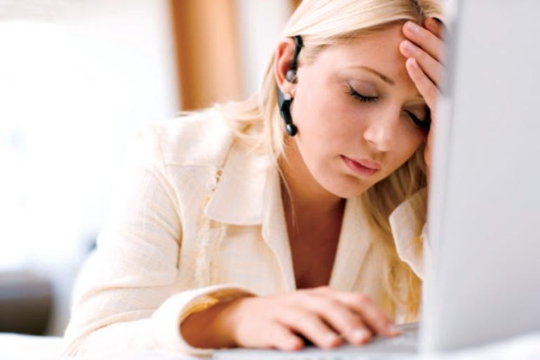 Thoát vị đĩa đệm gây rối loạn tuần hoàn máu não làm ảnh hưởng đến công việc hàng ngày