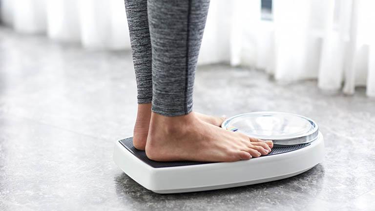 mẹo chữa trào ngược dạ dày thực quản bằng cách giảm cân