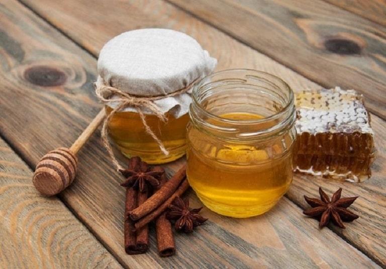 Cách làm kha tử ngâm mật ong trị viêm họng tại nhà