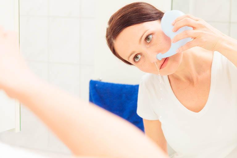 Vệ sinh mũi đúng cách góp phần hỗ trợ quá trình điều trị viêm xoang bằng diện chẩn