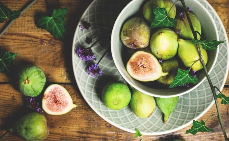 Chế biến quả sung tươi thành các món ăn sử dụng hàng ngày để hỗ trợ điều trị bệnh