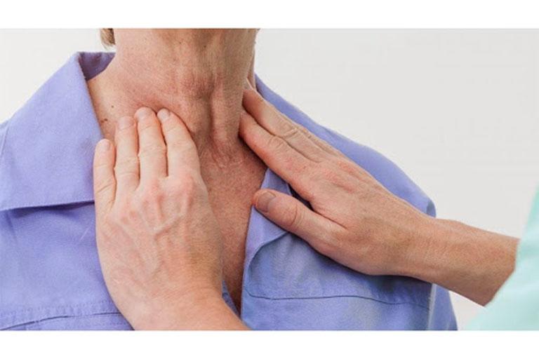Chấn thương vùng họng có thể gây ra nhiều bệnh lý nguy hiểm nên người bệnh không được chủ quan