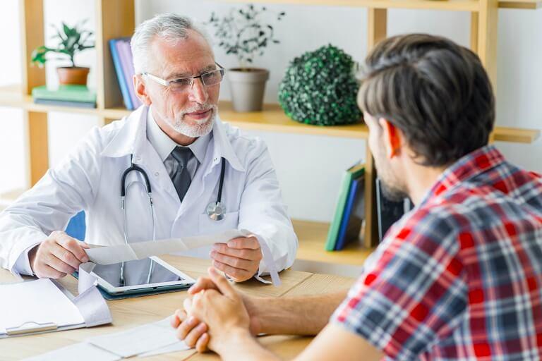 Cương cứng bị đau có thể điều trị bằng nội khoa, ngoại khoa