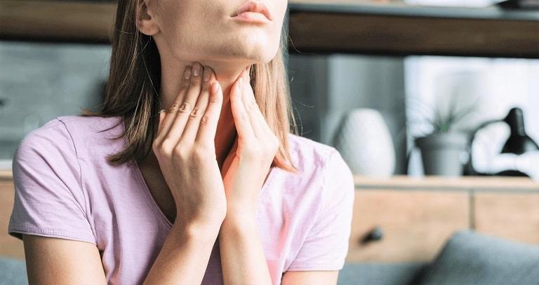 Đau họng đau tai trái là biểu hiện của nhiều bệnh lý liên quan đến đường hô hấp