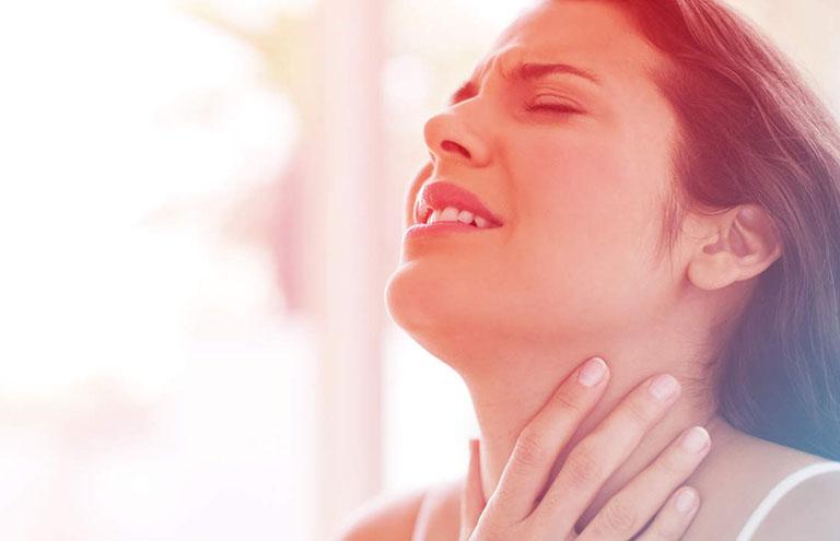 Đau họng nhức đầu và mệt mỏi là dấu hiệu cảnh báo nhiều bệnh lý