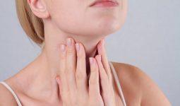 Trong nhiều trường hợp, dịch đờm không chảy từ mũi ra ngoài mà chảy ngược xuống thành sau họng