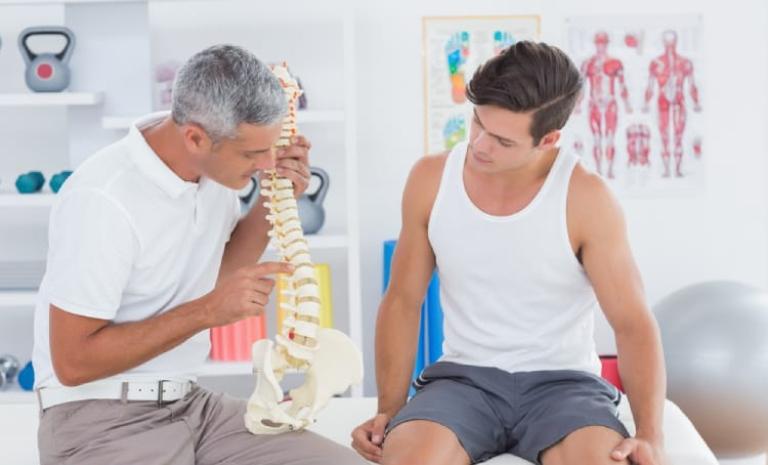 Thăm khám bác sĩ chuyên khoa để được hướng dẫn điều trị đúng cách
