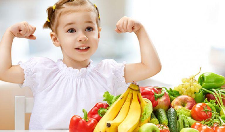Xây dựng chế độ ăn dinh dưỡng, giúp trẻ tăng cường sức đề kháng