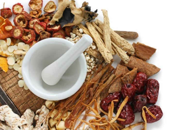 Dùng kết hợp vừng đen với vị thuốc trong Đông y để điều trị triệu chứng của viêm đại tràng