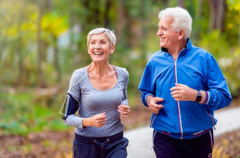 Tập luyện là phương pháp phòng tránh đau nhức xương khớp khi thời tiết thay đổi rất hiệu quả
