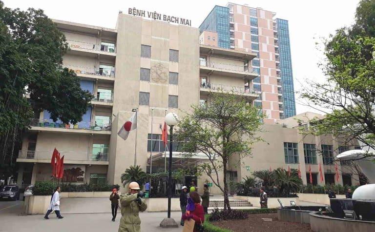 Bệnh viện Bạch Mai là cơ sở khám chữa bệnh tuyến đầu của miền Bắc