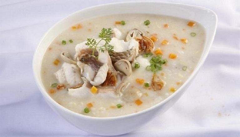 Những ngày sau mổ amidan, người bệnh nên sử dụng thức ăn mềm, dễ nuốt