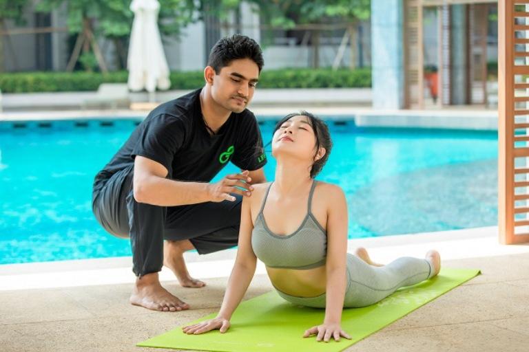 Nên tập luyện chữa thoái hóa khớp với huấn luyện viên để có thể mang lại hiệu quả tốt nhất