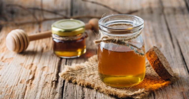 Nên bảo quản mật ong trong lọ thuỷ tinh, tránh để thành phần dinh dưỡng bị biến chất