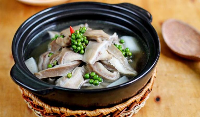 Nấu canh bao tử heo ăn giúp hỗ trợ cải thiện các triệu chứng do viêm loét dạ dày gây ra