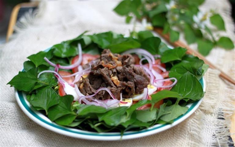 Salad diếp cá là món ăn có tác dụng rất tích cực đến quá trình điều trị bệnh trĩ