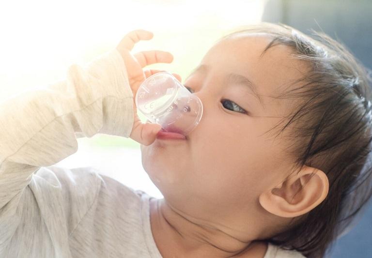 Bố mẹ cần sử dụng siro cho trẻ đúng cách