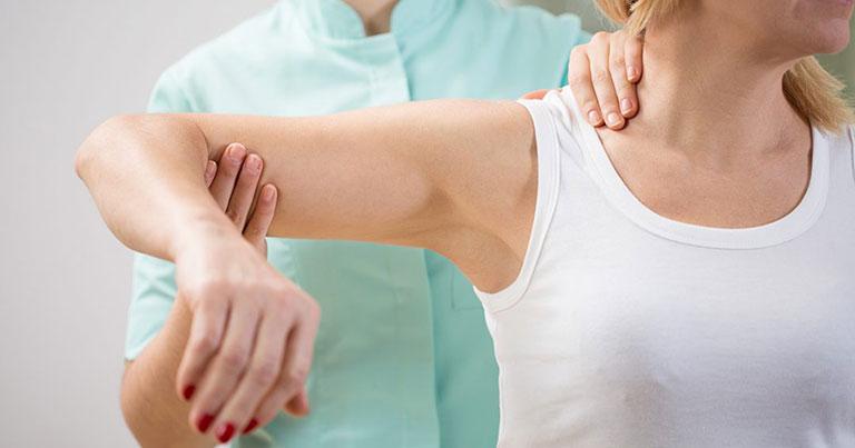 Cách điều trị thóa hóa khớp vai