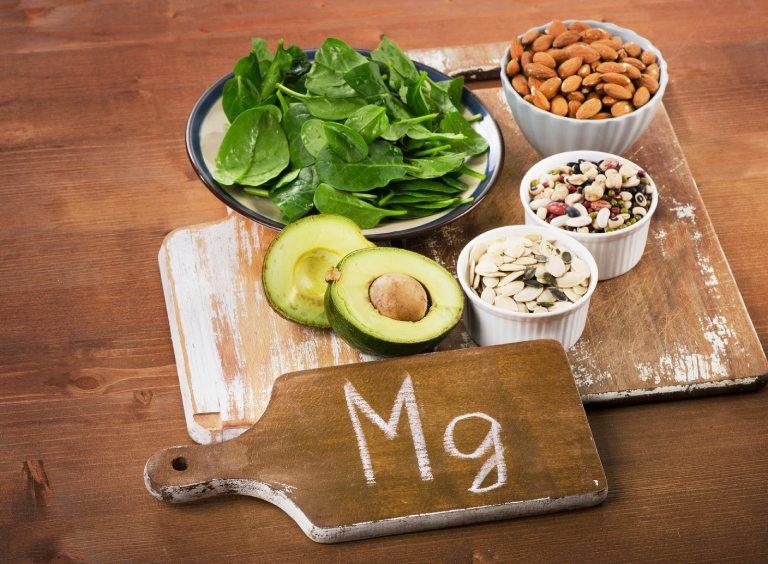 Người bị thoát vị đĩa đệm nên tăng cường bổ sung thực phẩm giàu magie vào chế độ ăn uống