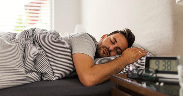 trào ngược dạ dày thực quản khi ngủ
